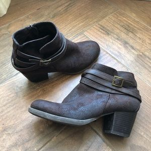 Nicole Brown ankle boots with buckles  s…